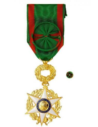 Croix d'Officier de l'Ordre du Mérite Agricole en bronze doré. Rosette en option.