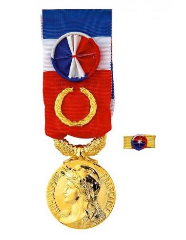Médaille du Travail Grand Or 40 ans en Bronze Doré.