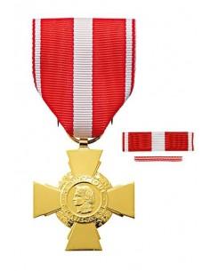Croix de la Valeur Militaire en bronze doré. Fixe ruban et barrette dixmude en option La Médaille Croix de La Valeur Militaire
