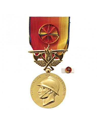 Médaille d'Honneur Sapeurs Pompiers Service Exceptionnel Or en zamak doré. Fixe ruban en option.